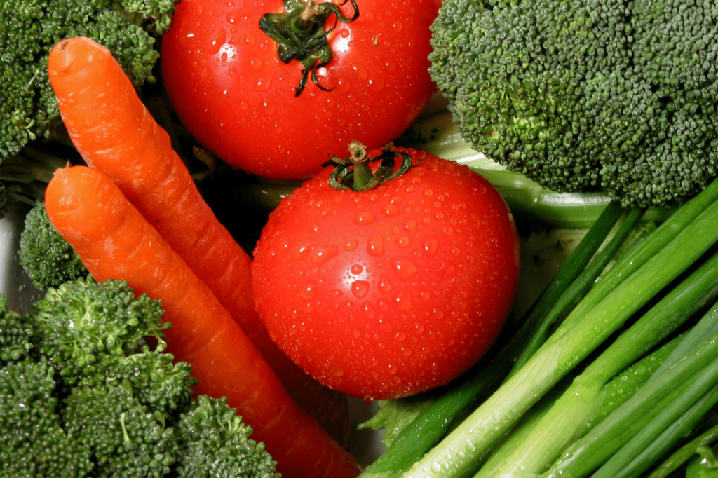 vegetables, tomatoes, carrots, broccoli, one of the best foods for weight loss